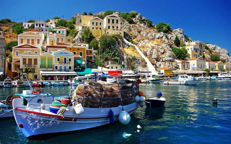 11_hydra_saronic_island_aegean_sea_celtours