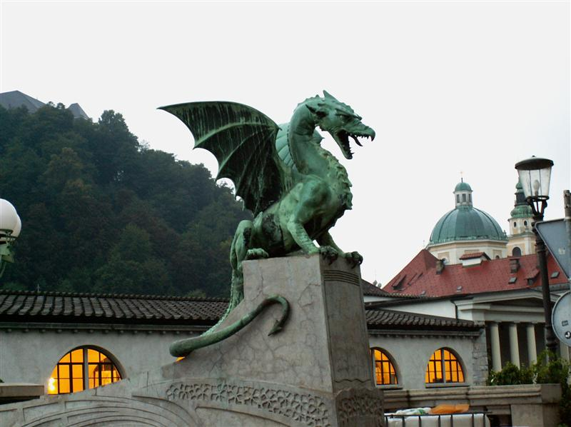 ljubljana-slovenias-dragon-bridge-balkans-europe-cel-tours