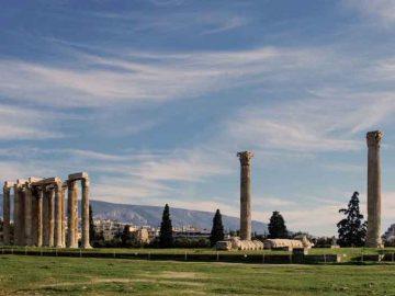 """ZEUS"" >Athens – Peloponnese – Delphi – Meteora – Santorini"