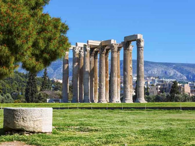 e lashtë-tempull-olimpiada-Zeus-Athinë-Greqi-europe-Cel-tours