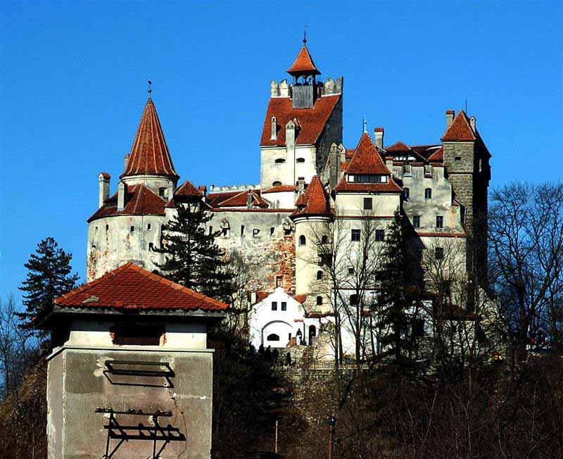 brasov-transylvania-castle-dracula-bran-romania-balkan-europe-cel-tours