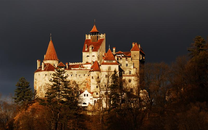 Dracula-chateau-bucarest-romania-les-tours Balkans-europe-