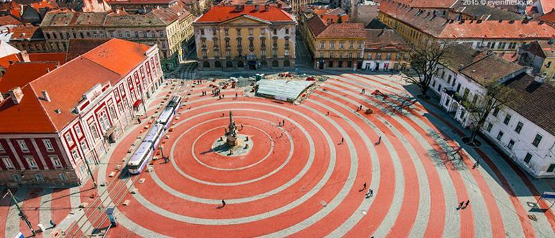 libertà-Timisoara-Belgrado-Serbia-square-Balcani-europa-le-tours