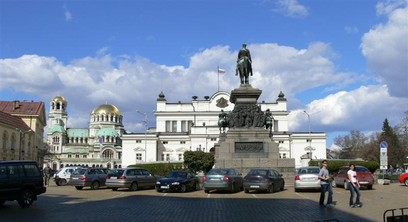 sofia-Parlament-Quadrat-bulgarien-balkan-europe-cel-Touren